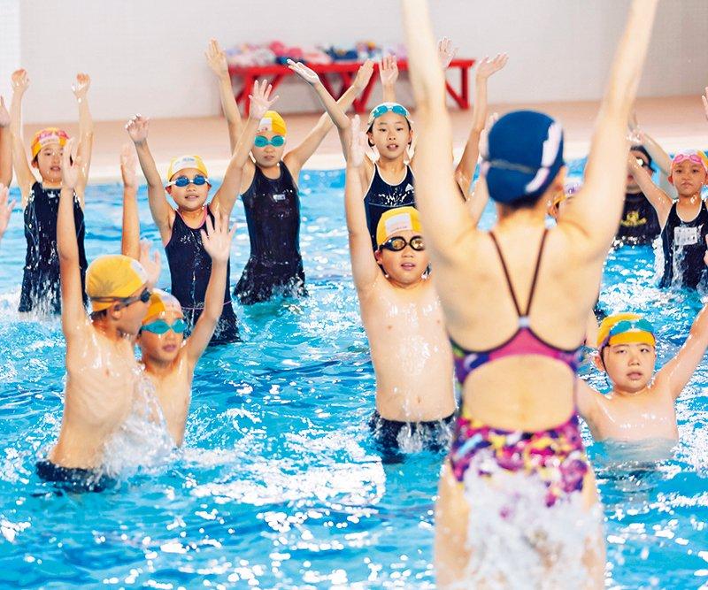 今年こそ平泳ぎをマスターしよう!