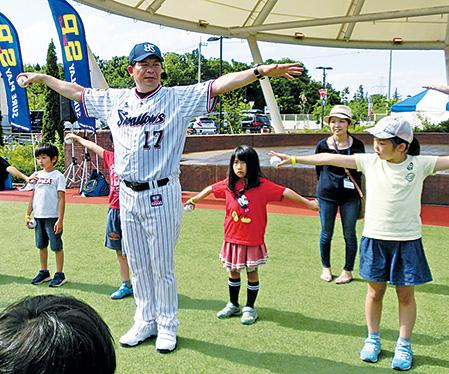 川崎憲次郎さんが教えてくれた ボールを遠くへはやく投げる3つのコツ